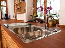 Küche – Esche und Kirschbaum in moderner Eleganz